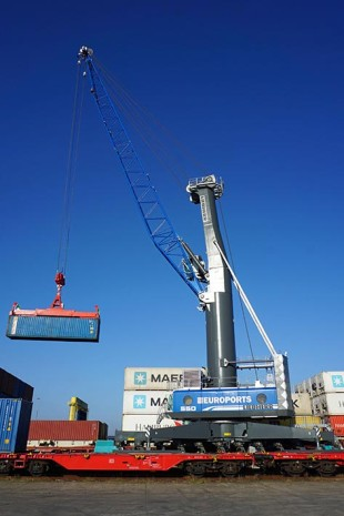 Liebherr mobile harbour cranes make Rostock a hub of the New Silk Road